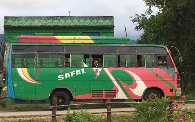 Bussen-til-Kantipur
