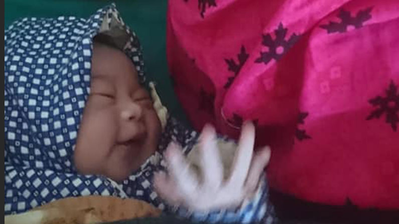 Nyfødt pige på Ayodhyapuri Health Post. Jysk landsbyundvikling i Nepal