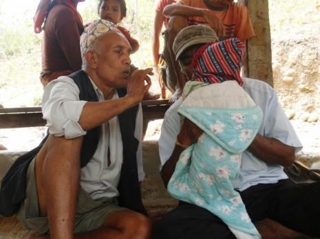 Den højt respekterede Nava Raj Gayak er healer og formand for vandværkerne